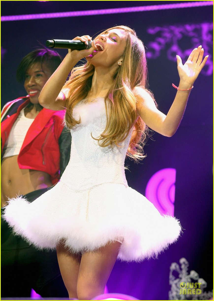 ariana grande enrique iglesias 1027 kiis fm jingle ball 023007209