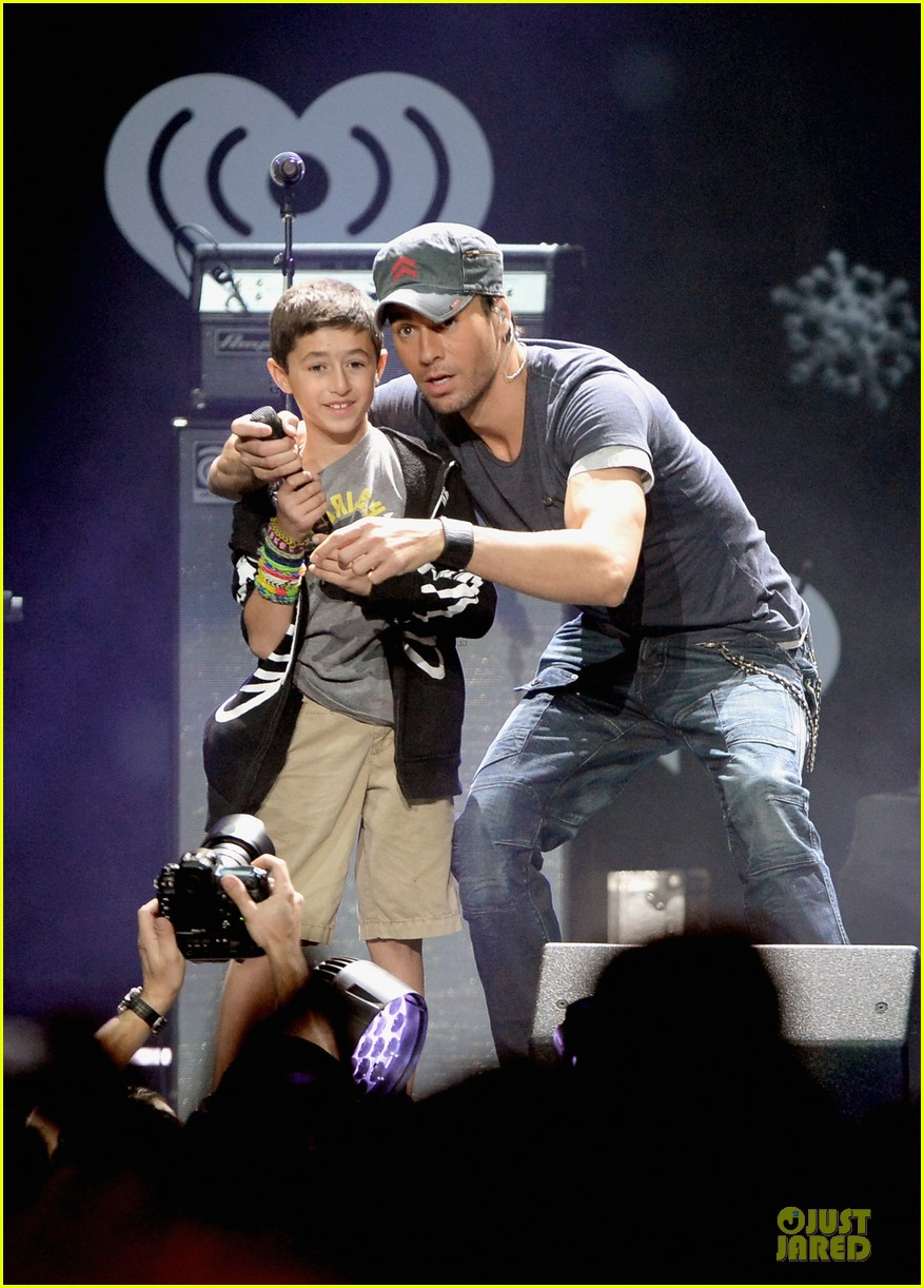 ariana grande enrique iglesias 1027 kiis fm jingle ball 04