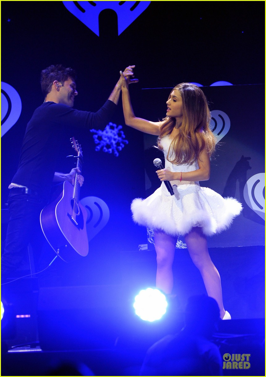 ariana grande enrique iglesias 1027 kiis fm jingle ball 313007238