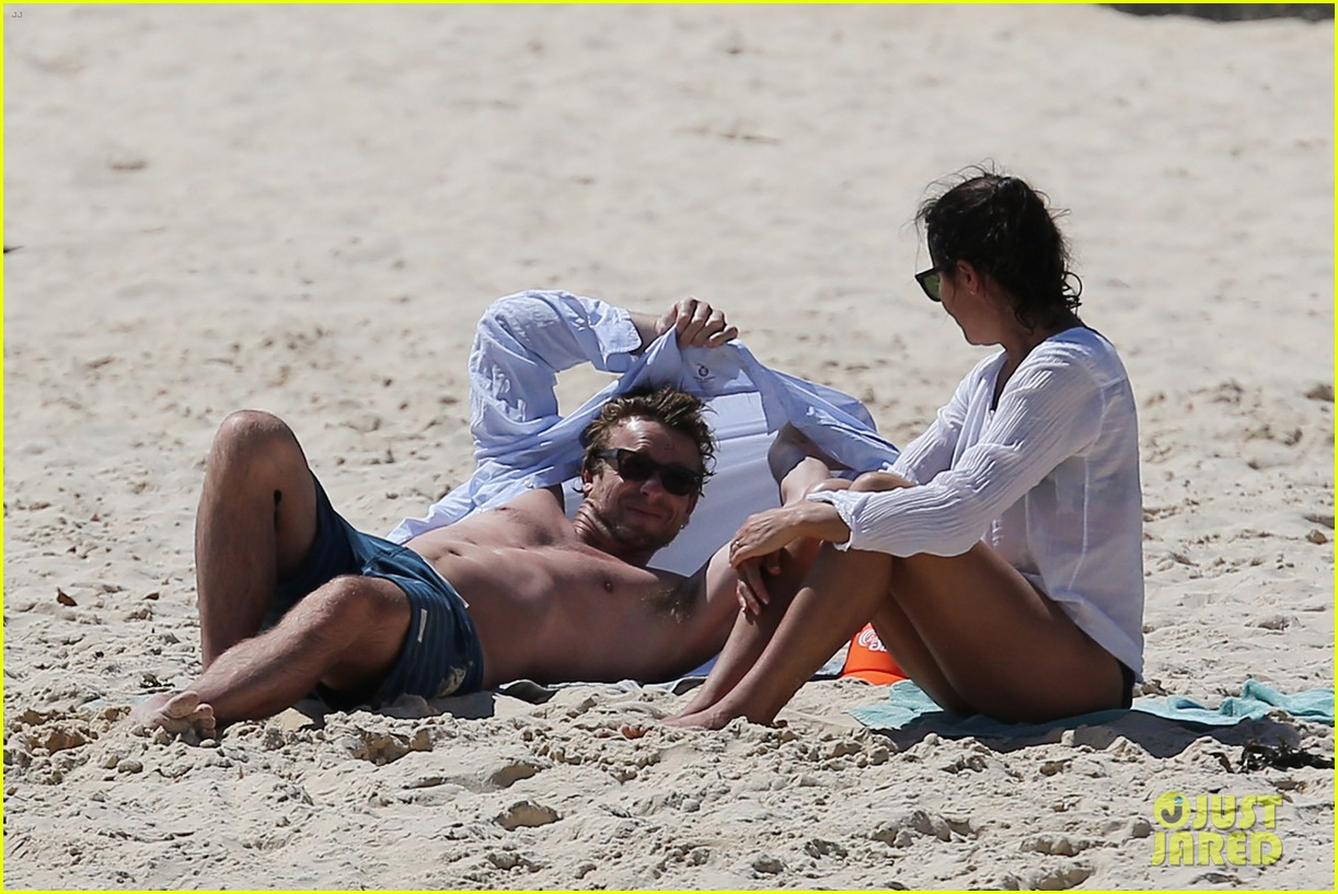 simon baker shirtless beach day with wife rebecca rigg 023012992