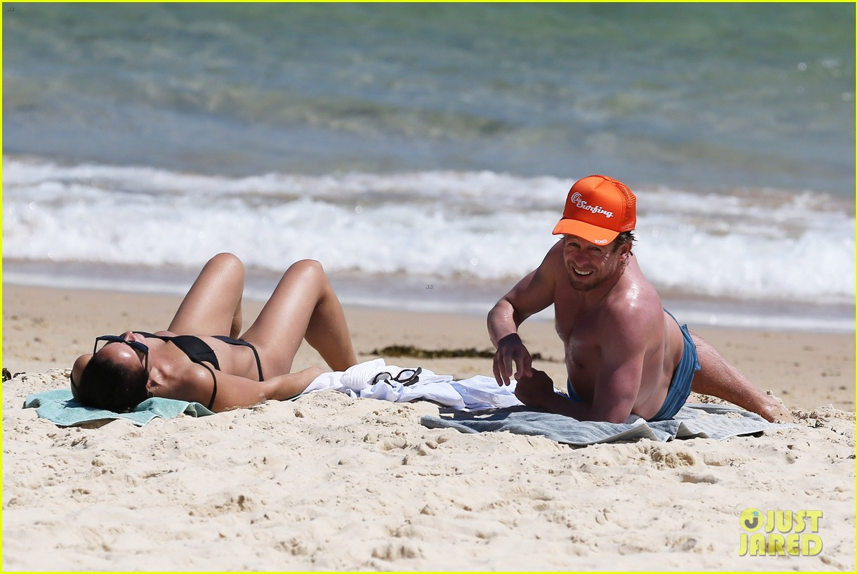 simon baker shirtless beach day with wife rebecca rigg 083012998