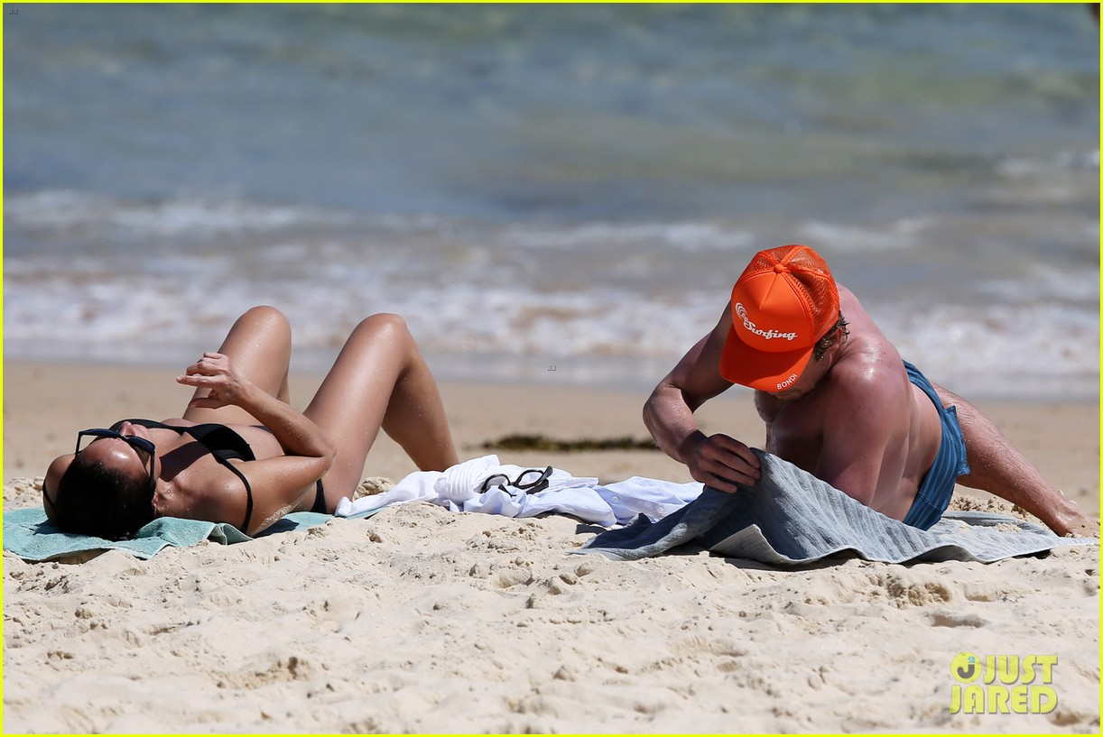simon baker shirtless beach day with wife rebecca rigg 263013016