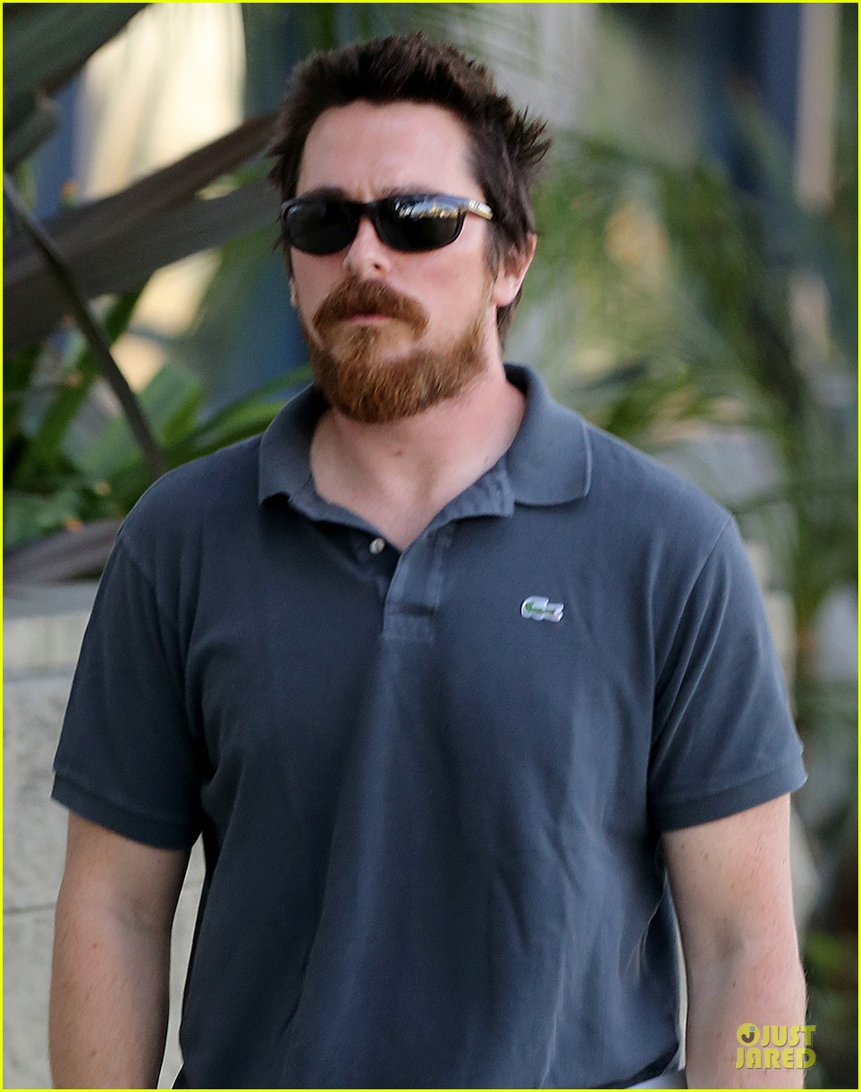 christian bale friday errands with mac 023018981