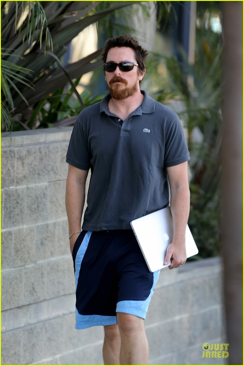 christian bale friday errands with mac 033018982