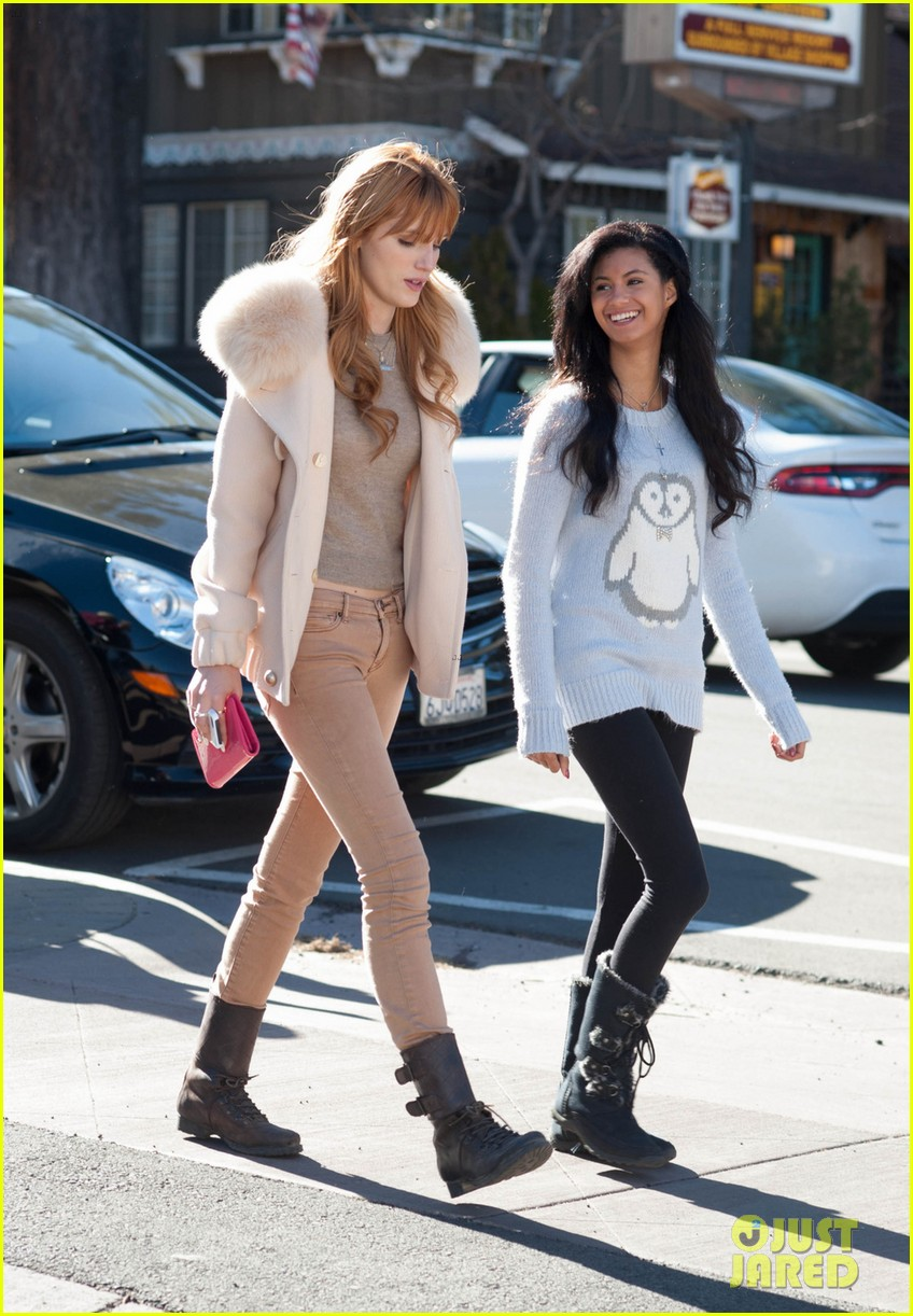 bella thorne big bear shopping trip 043019527