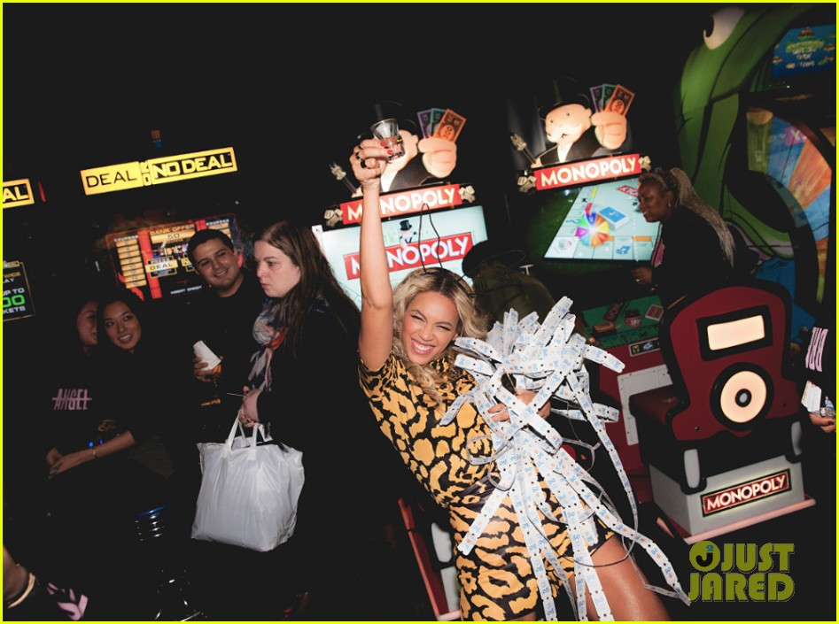 beyonce wins big at mrs carter world tour after party 033015324