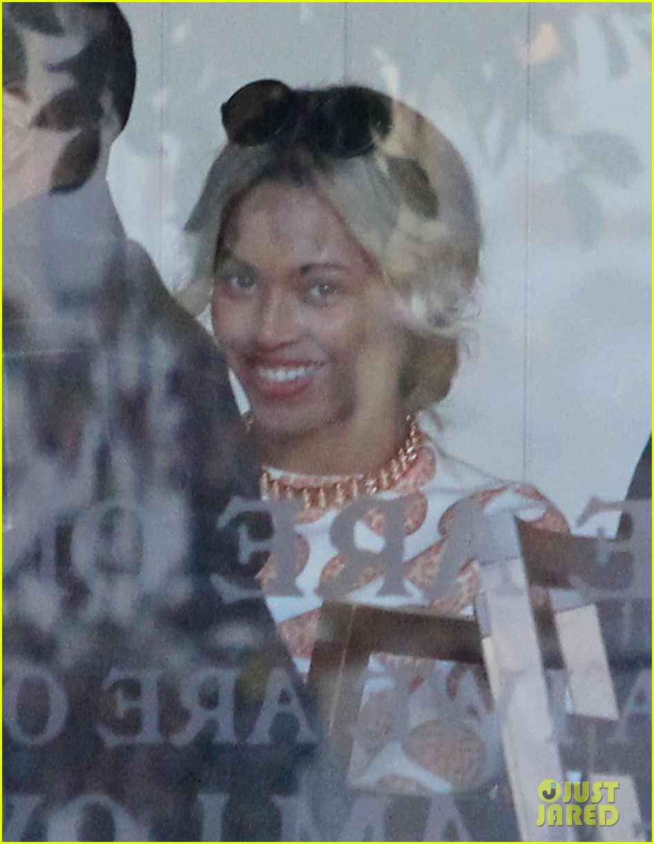 beyonce wears cow print shirt during her vegan challenge 063006650