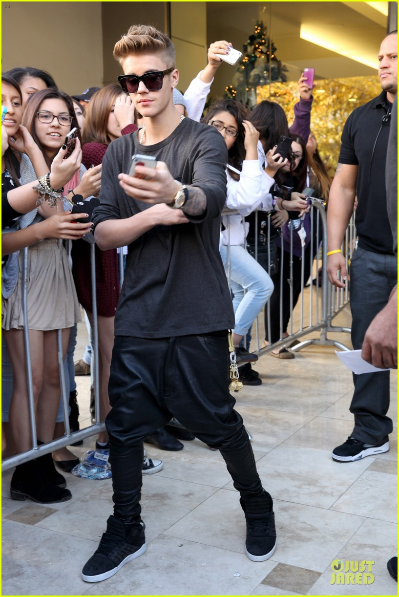 justin bieber power 106 radio promo before believe premiere 153013839