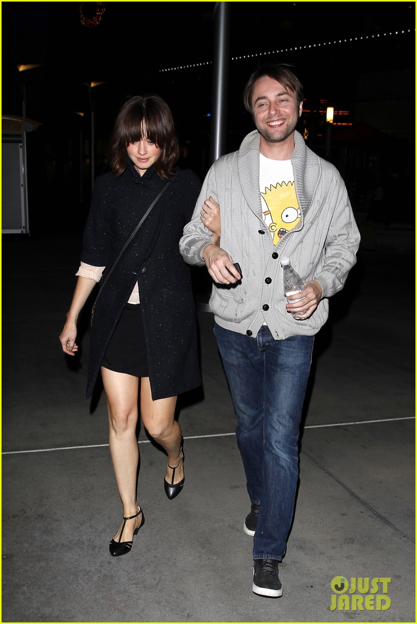 alexis bledel movie date with fiance vincent kartheiser 063003382
