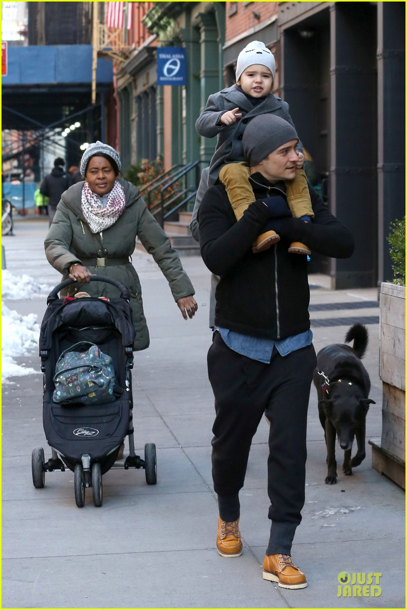 orlando bloom flynn beanie matching father son duo 053013179