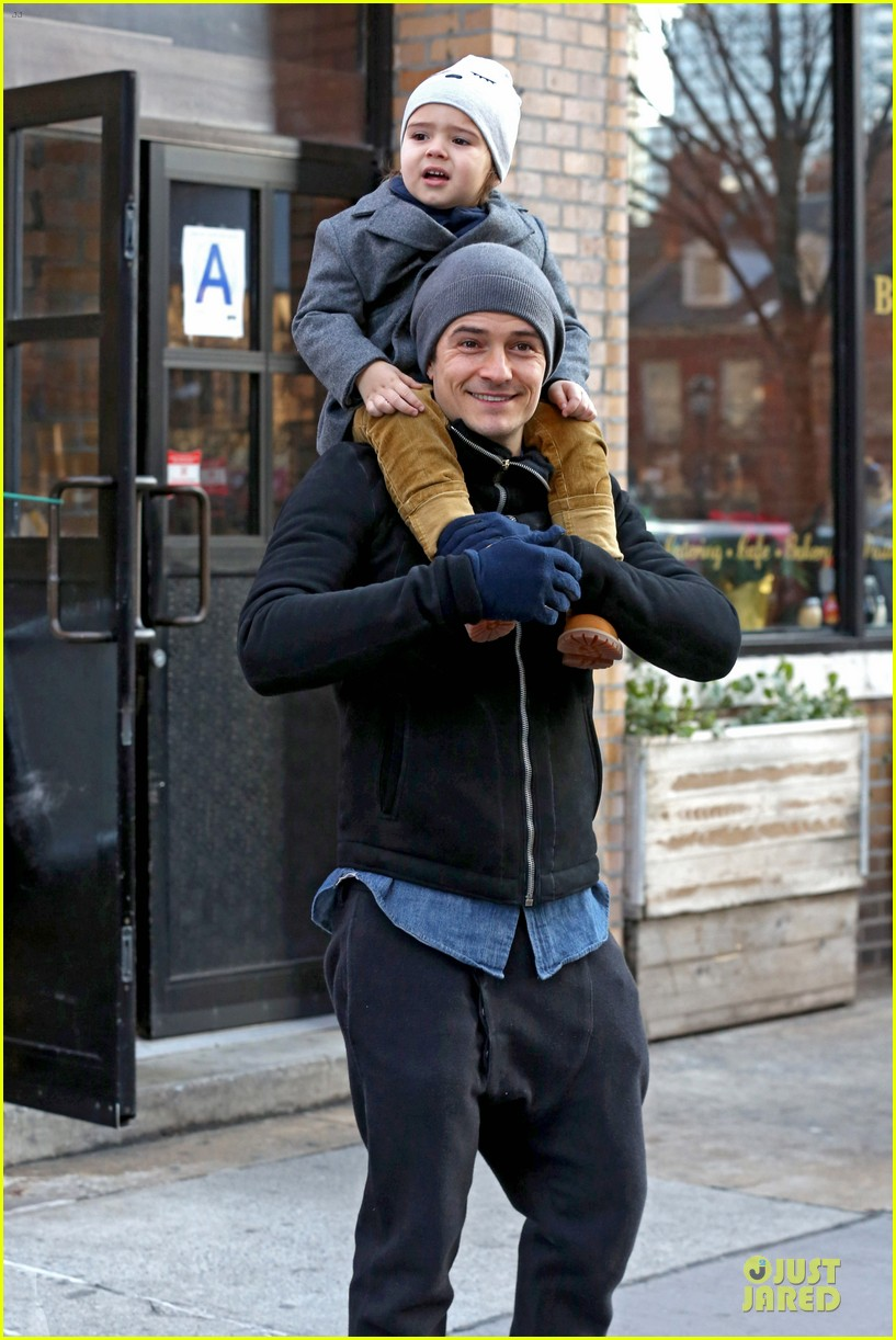 orlando bloom flynn beanie matching father son duo 063013180