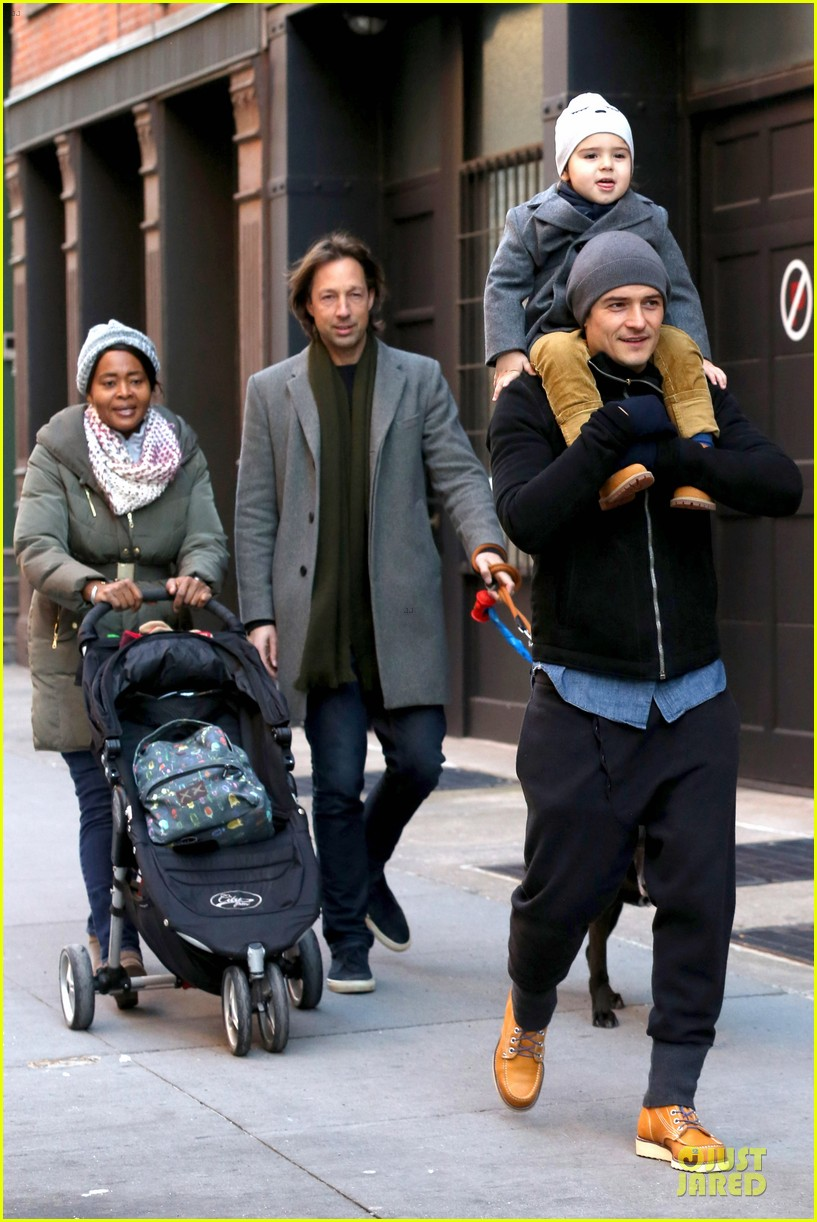 orlando bloom flynn beanie matching father son duo 083013182