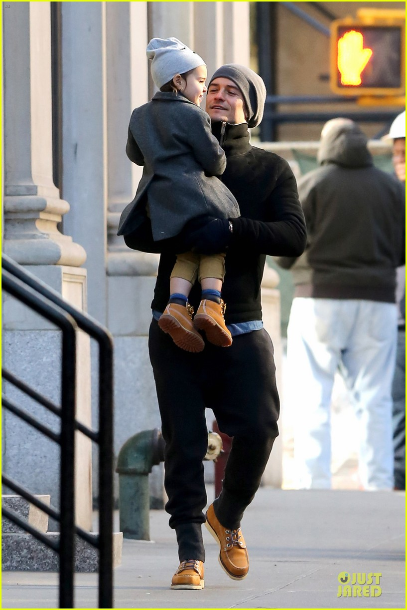 orlando bloom flynn beanie matching father son duo 093013183