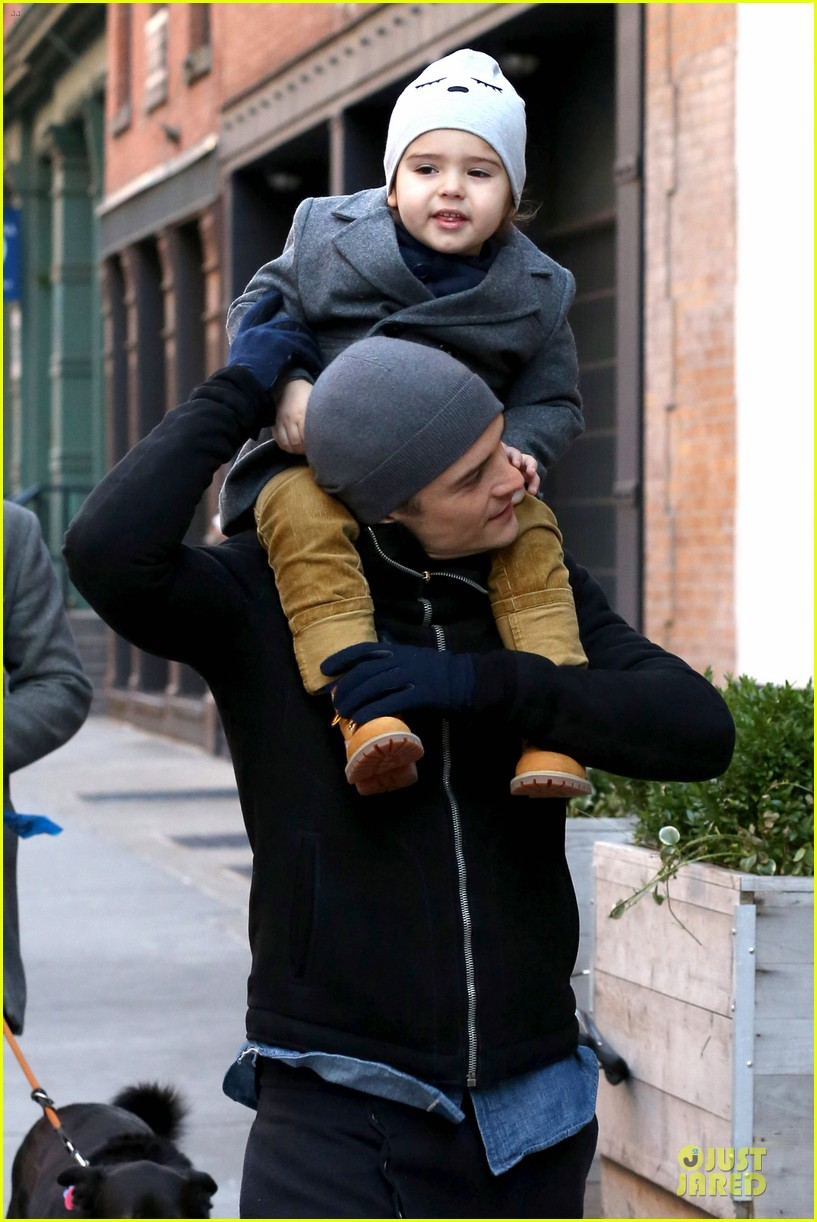 orlando bloom flynn beanie matching father son duo 143013188