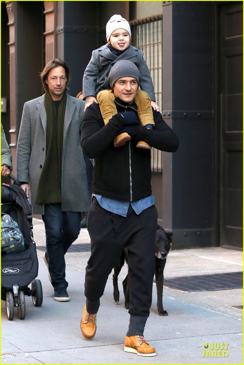 orlando bloom flynn beanie matching father son duo 193013193