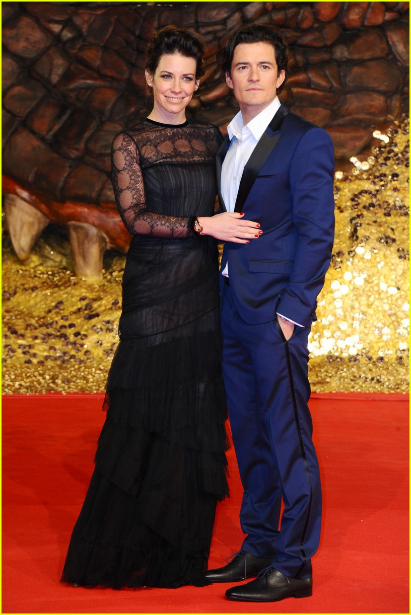 orlando bloom evangeline lilly hobbit berlin premiere 013008525