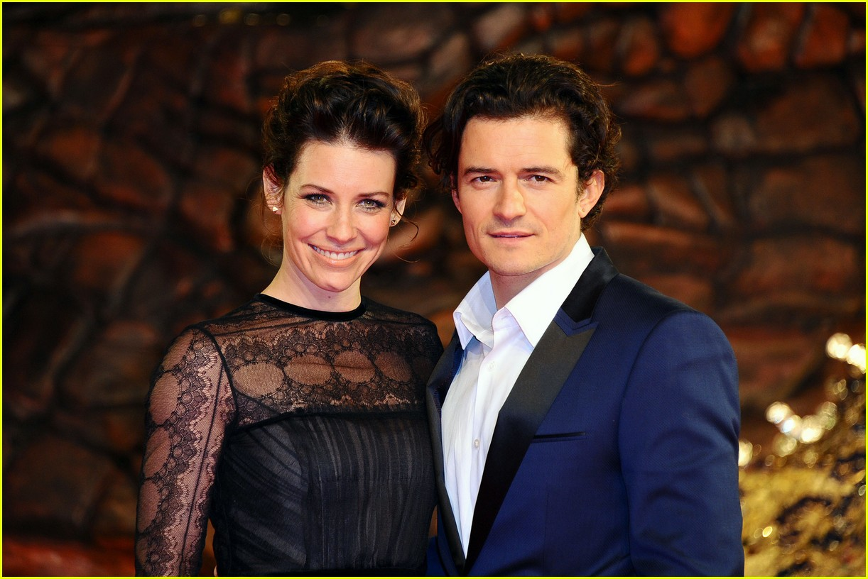 orlando bloom evangeline lilly hobbit berlin premiere 07