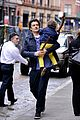 orlando bloom flynn play with toy swords in the big apple 11