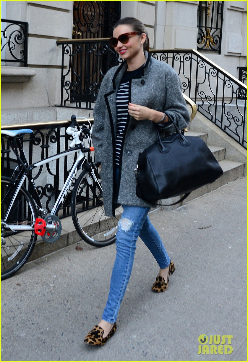 orlando bloom rides with miranda kerr after today show 033011419