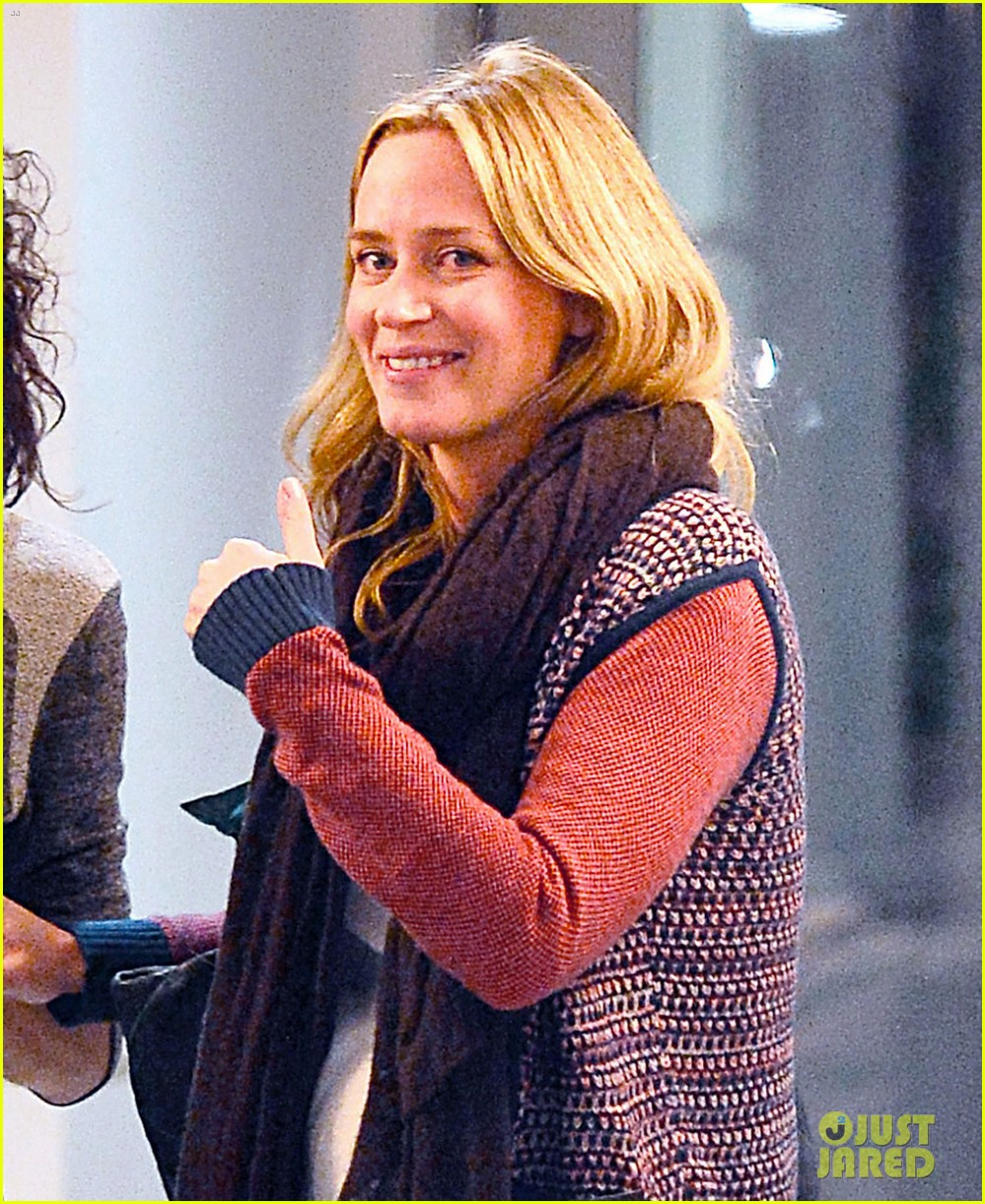 emily blunt cant stop laughing at friends christmas party 043015130
