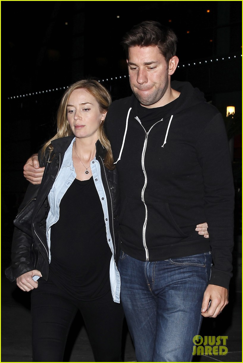 emily blunt john krasinski sunday night movie mates 103003417