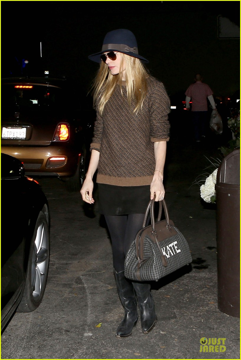 kate bosworth michael polish grocery run before holidays 013015865