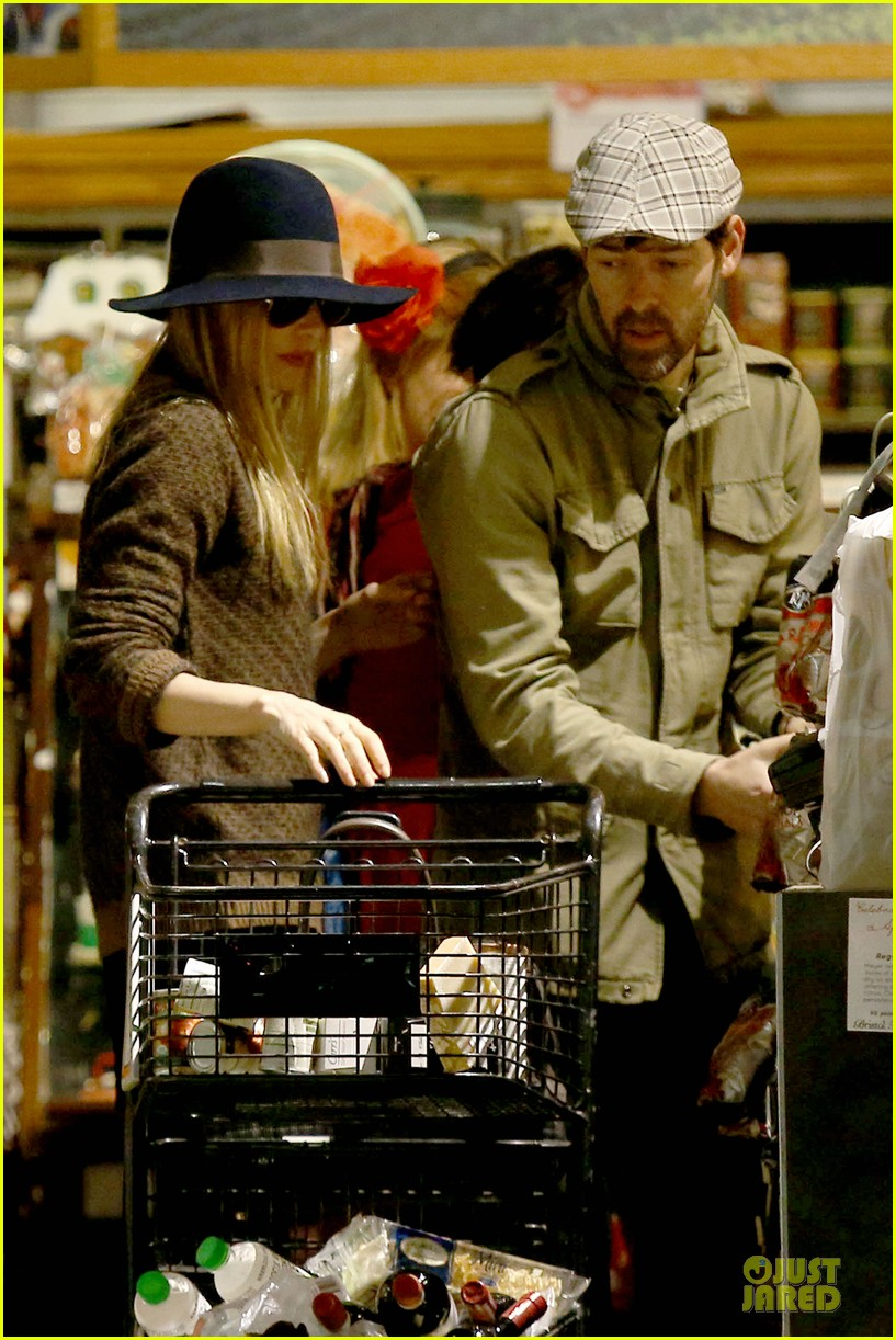 kate bosworth michael polish grocery run before holidays 023015866