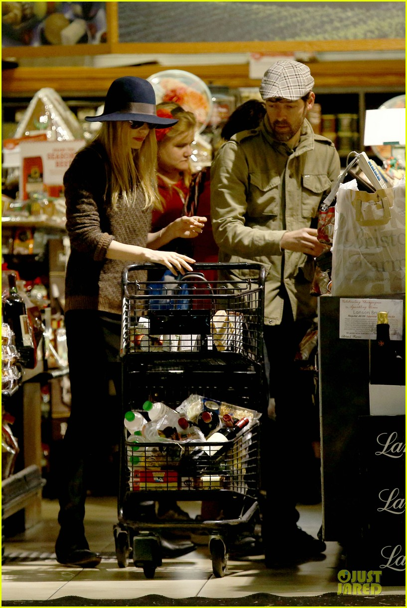 kate bosworth michael polish grocery run before holidays 083015872