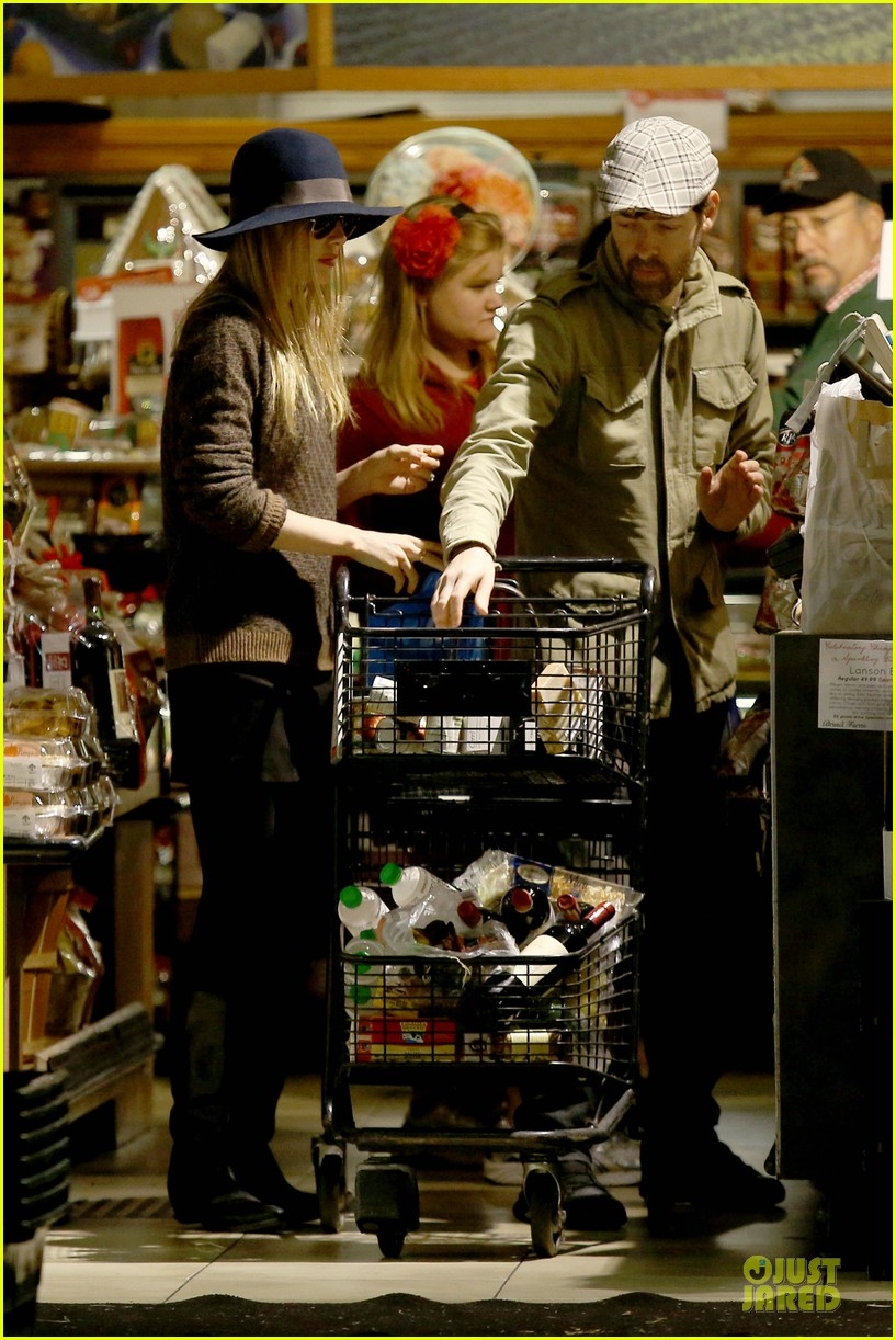 kate bosworth michael polish grocery run before holidays 153015879