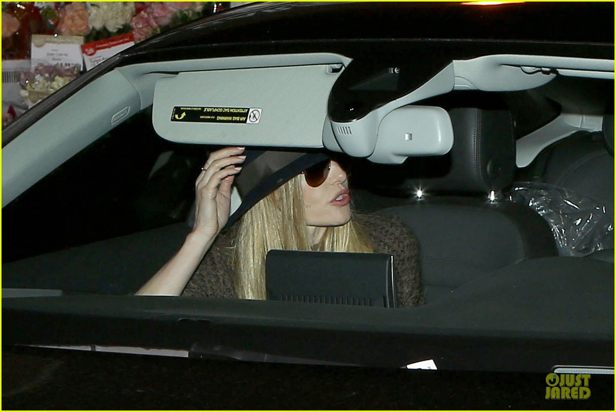 kate bosworth michael polish grocery run before holidays 193015883