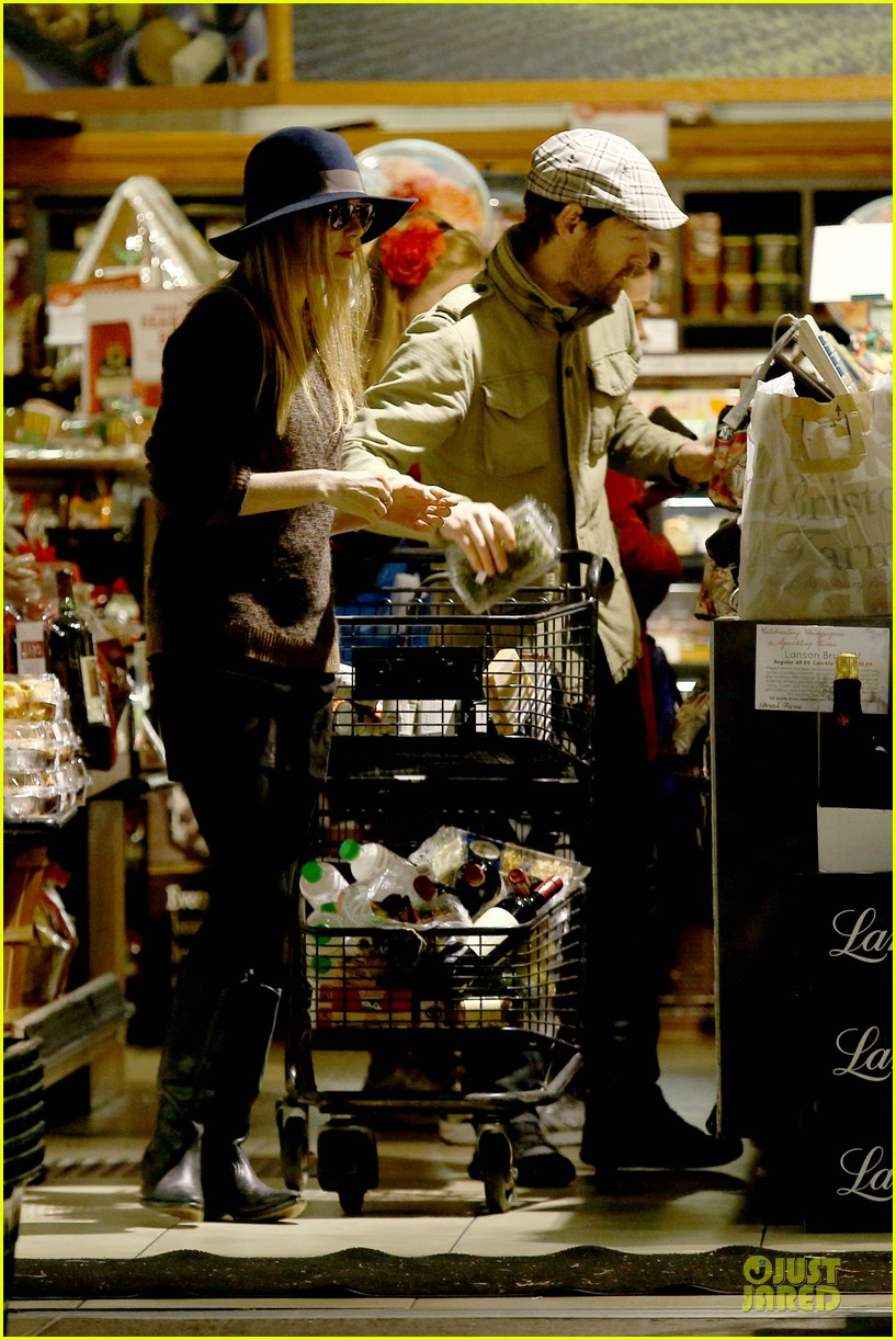 kate bosworth michael polish grocery run before holidays 223015886