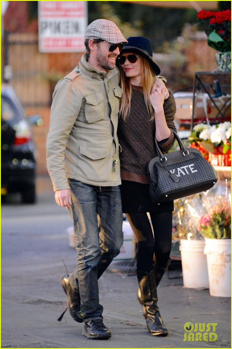 kate bosworth carries kate bag on affectionate errand run 013016421