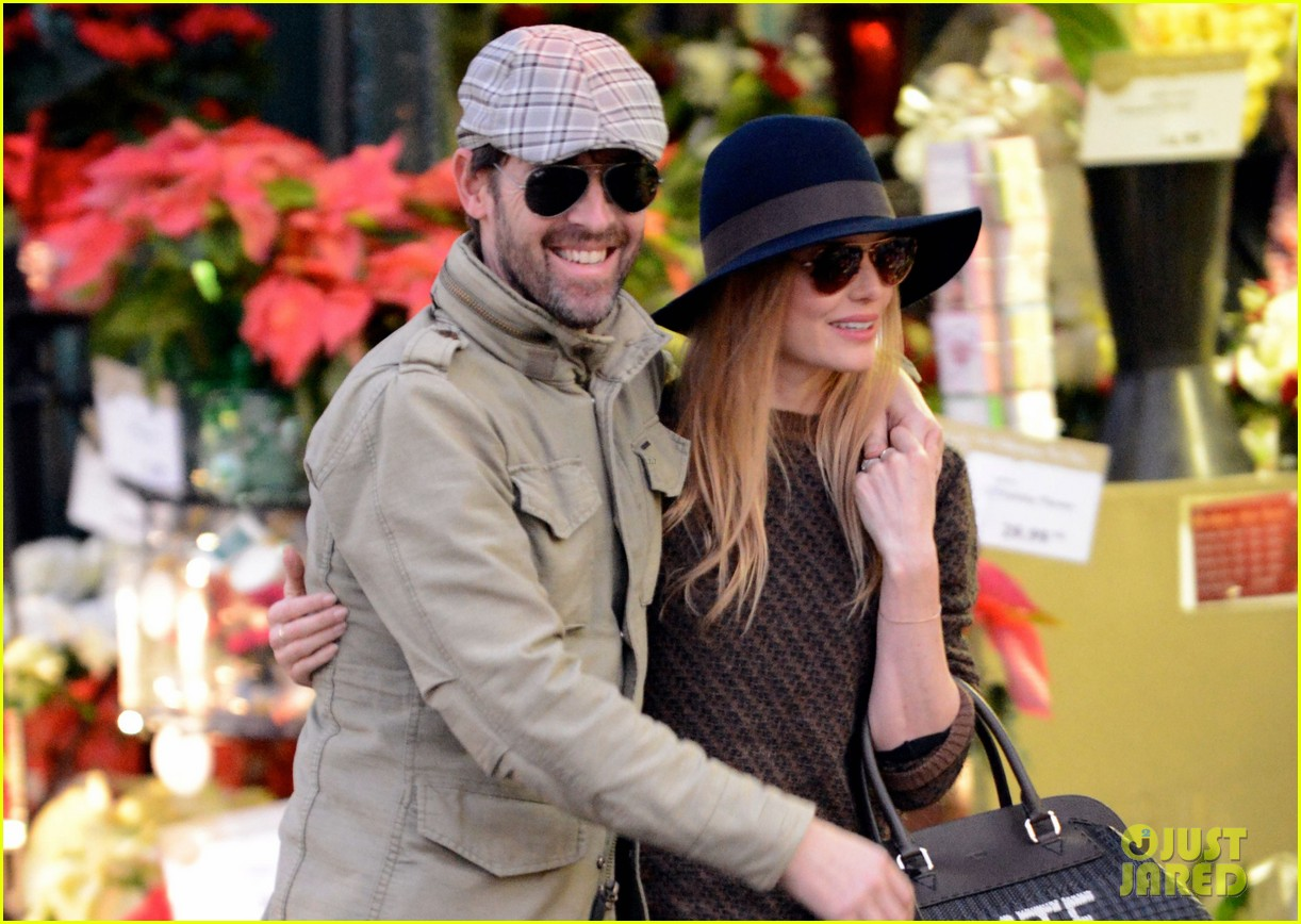 kate bosworth carries kate bag on affectionate errand run 023016422