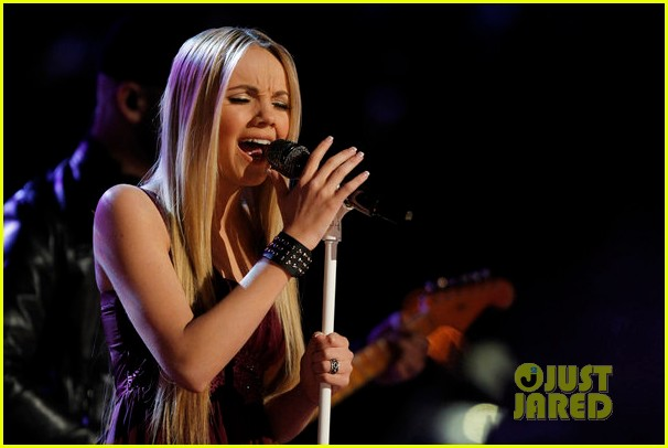 danielle bradbery never like this performance on the voice 023009547