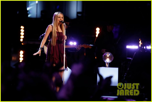 danielle bradbery never like this performance on the voice 06