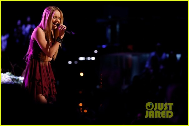 danielle bradbery never like this performance on the voice 07