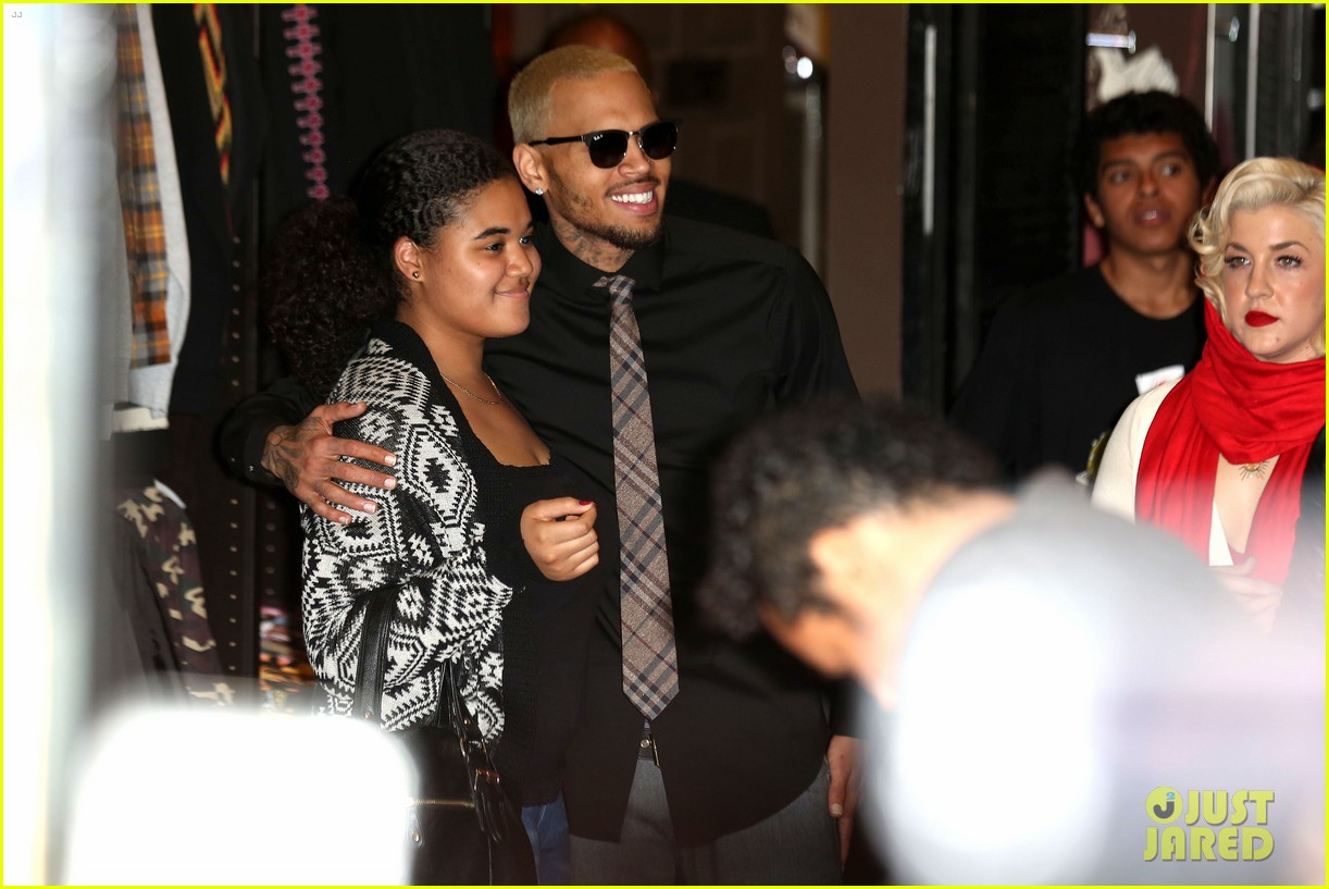chris brown brooklyn projects christmas toy drive 063016516