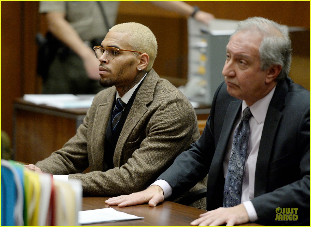 chris brown probation revoked over october arrest 113013269