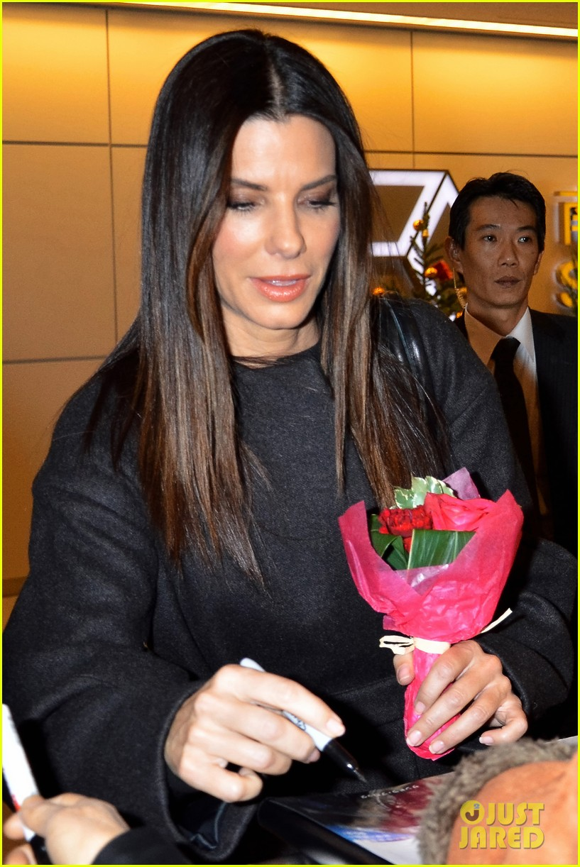 sandra bullock life filled with disastrous painful moments 02