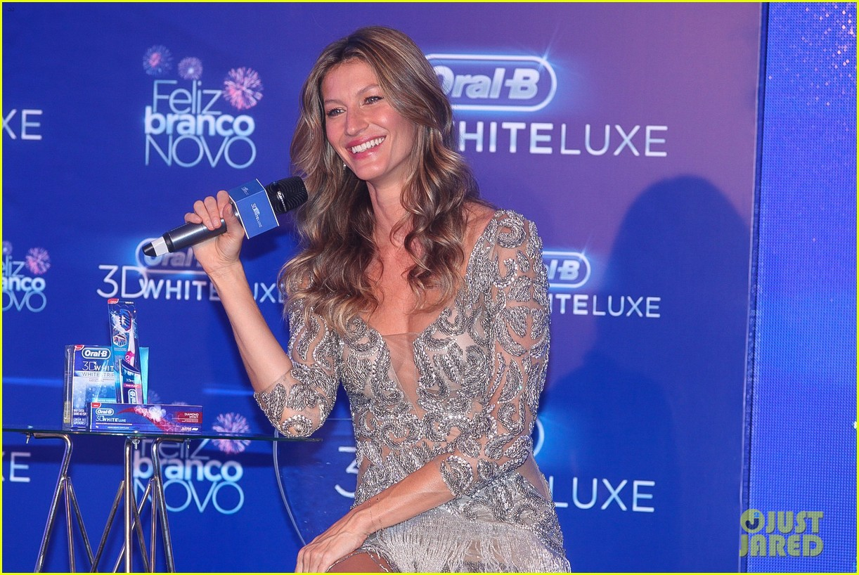 gisele bundchen shares breastfeeding pic before oral b event 123009146