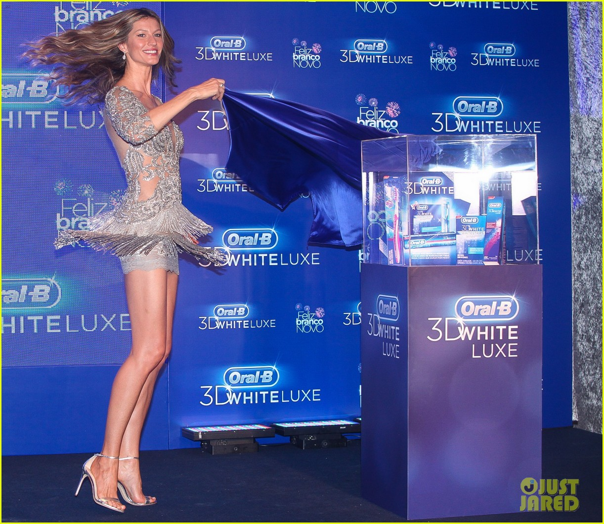 gisele bundchen shares breastfeeding pic before oral b event 213009155