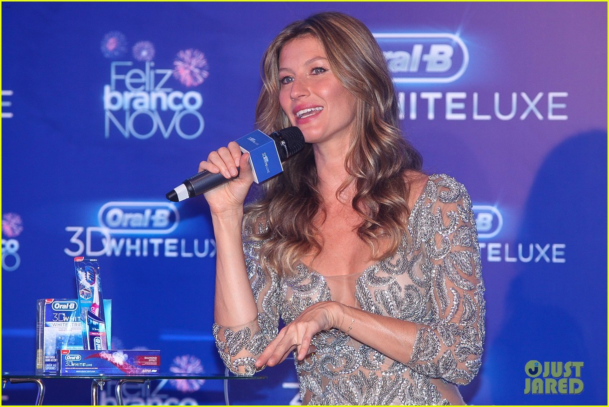 gisele bundchen shares breastfeeding pic before oral b event 223009156