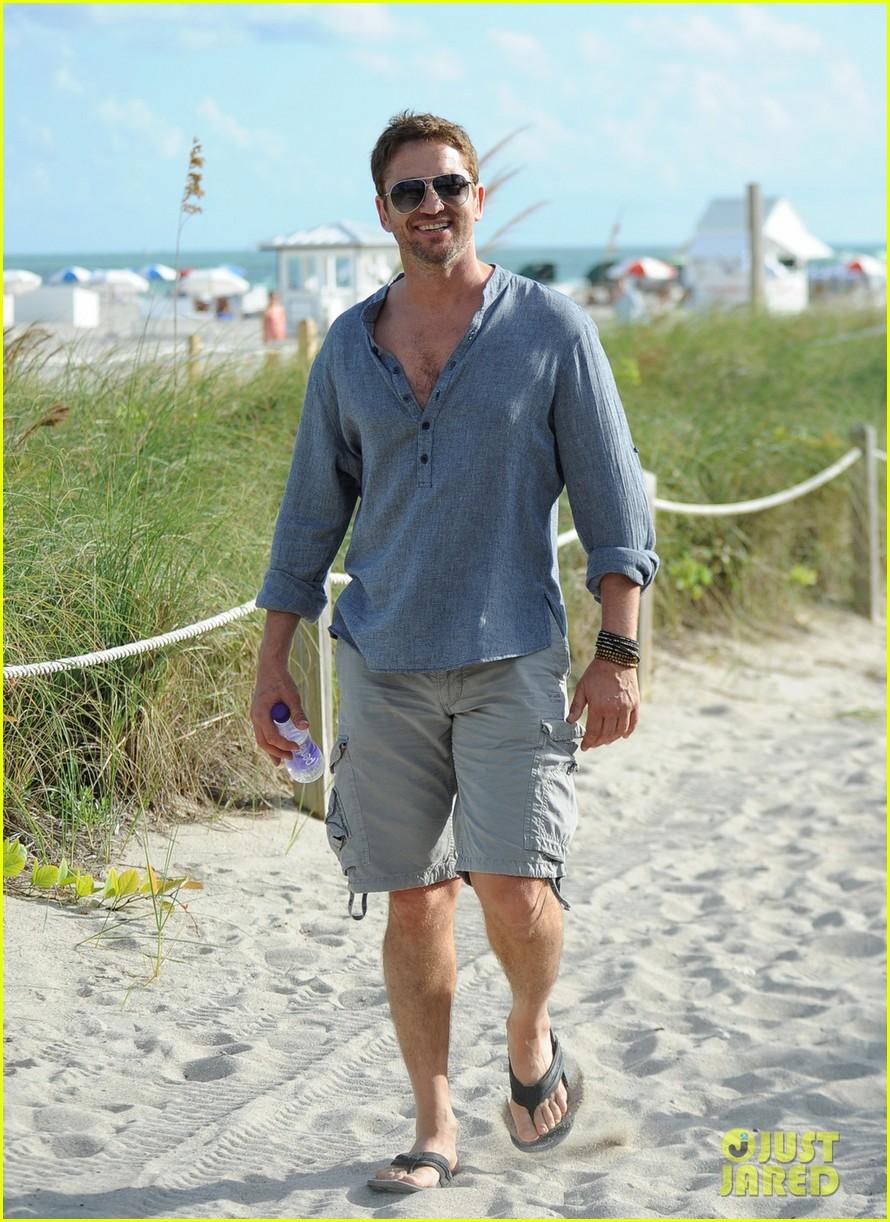gerard butler enjoys beach time during art basel 053005672