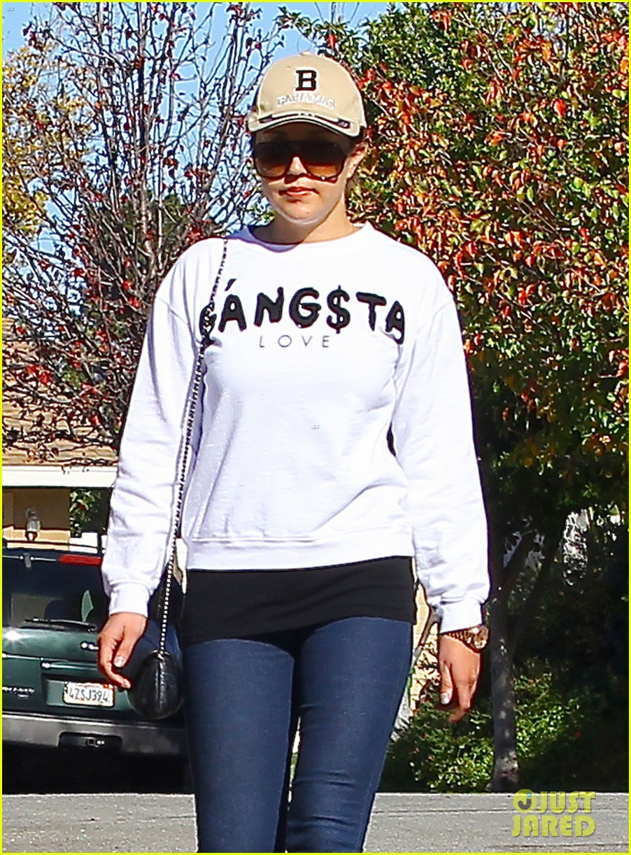 amanda bynes steps out with parents after rehab 063005703
