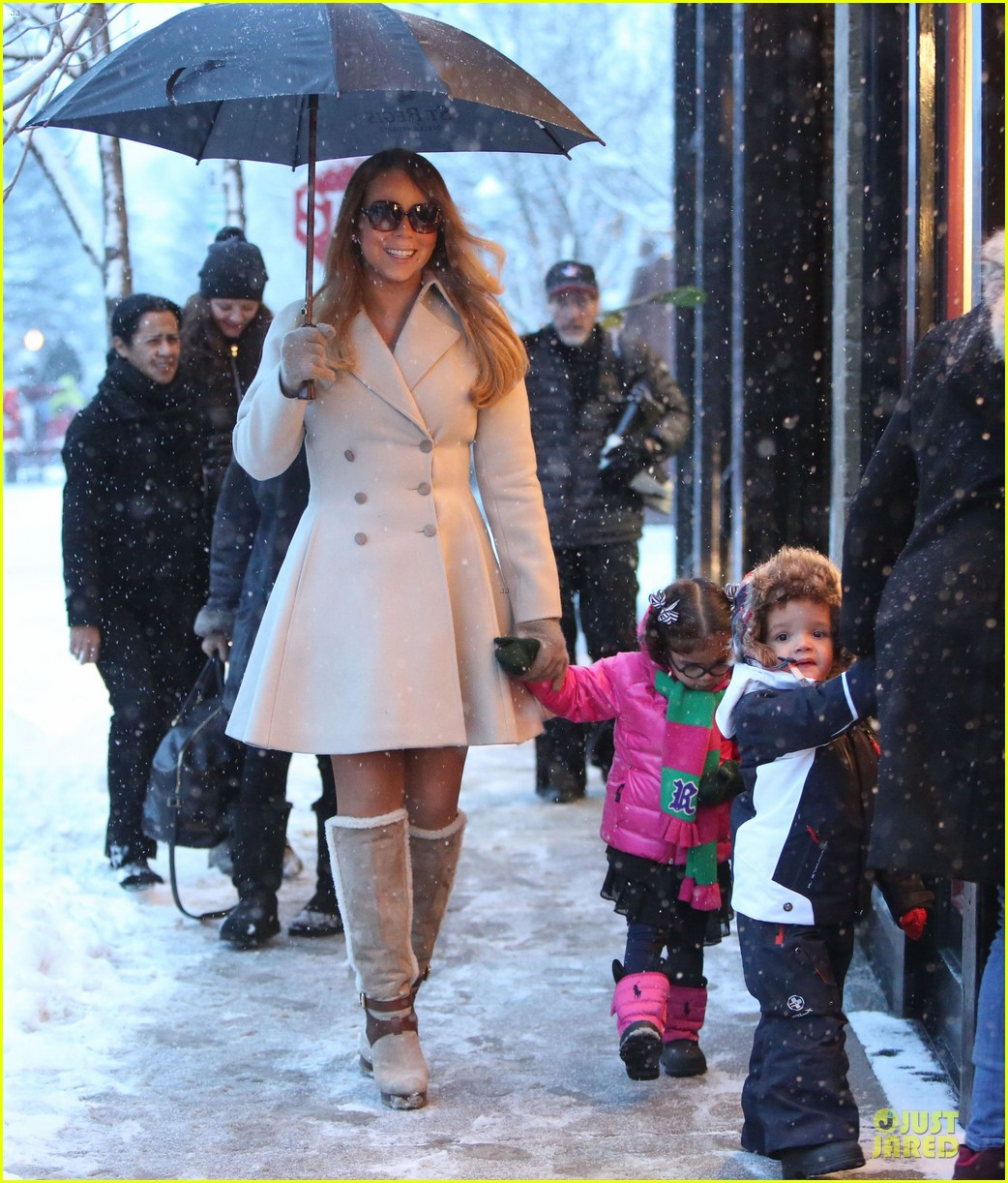 mariah carey snowy aspen shopping with the twins 013015610