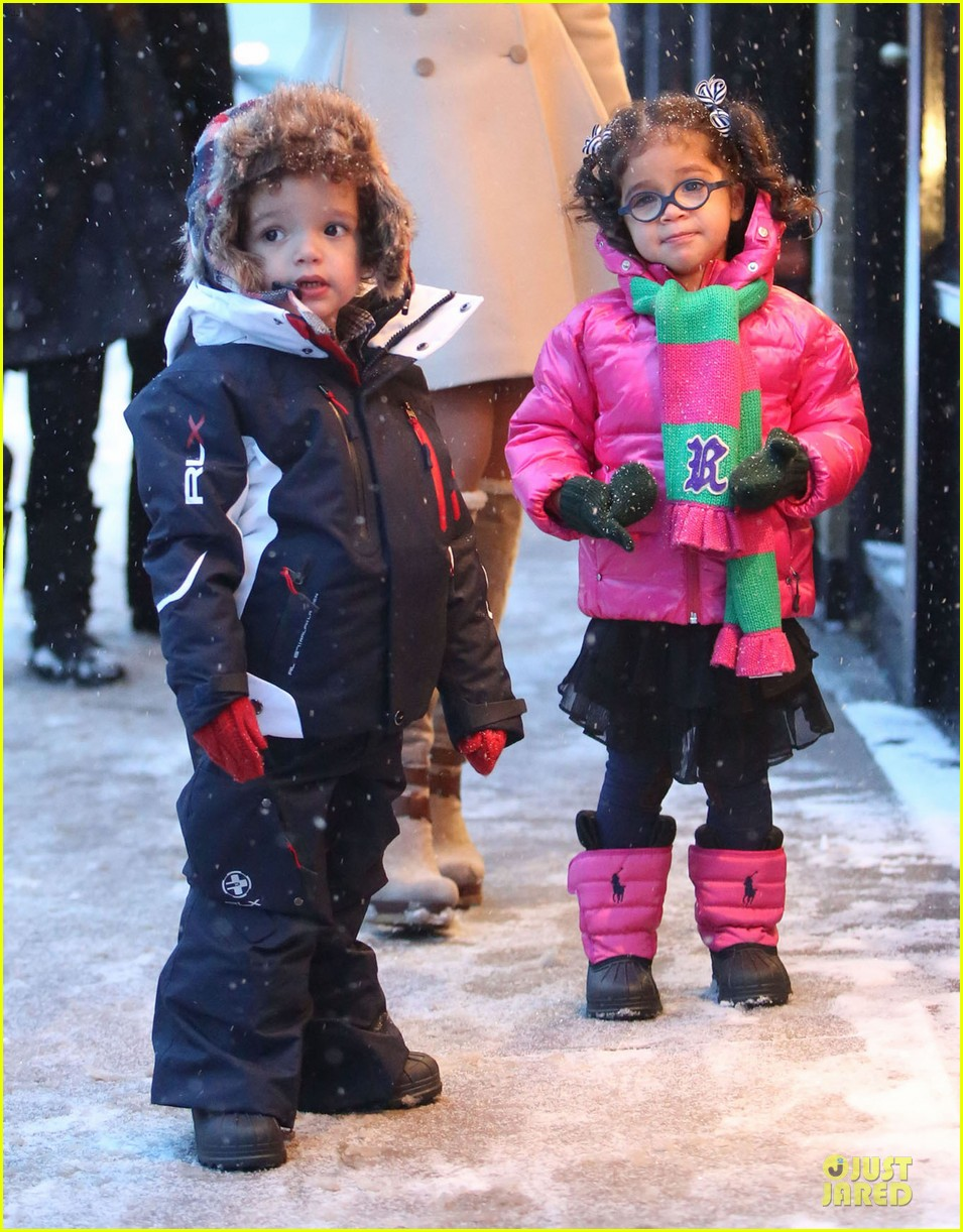mariah carey snowy aspen shopping with the twins 023015611