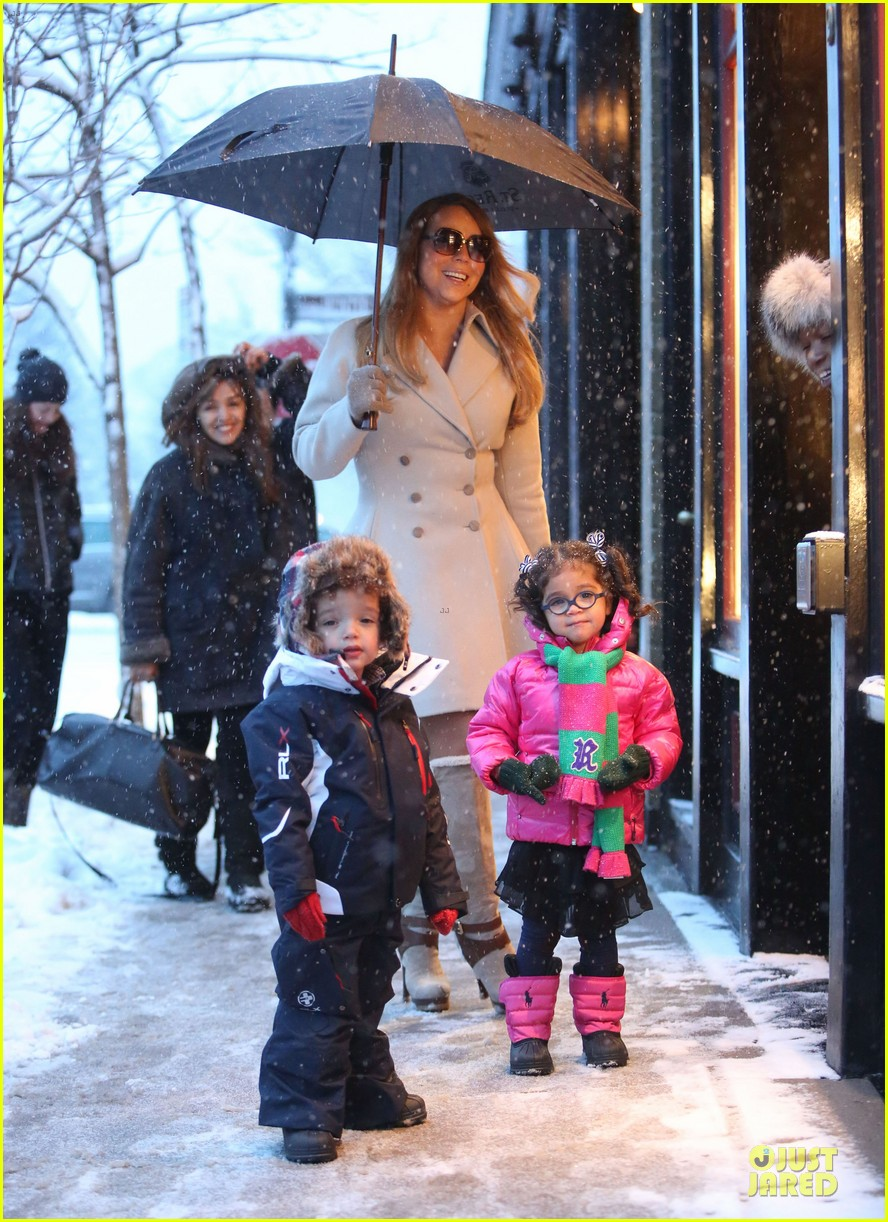 mariah carey snowy aspen shopping with the twins 113015620