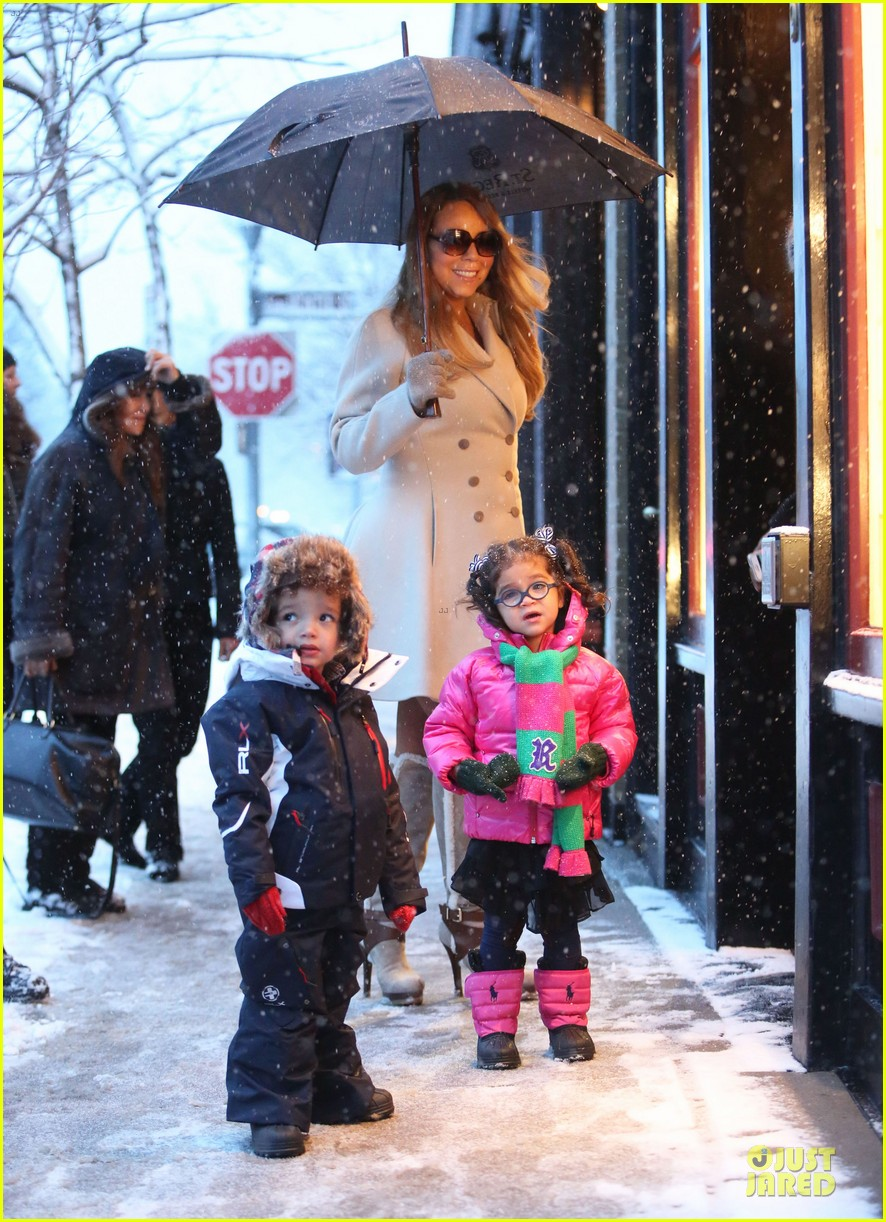 mariah carey snowy aspen shopping with the twins 143015623