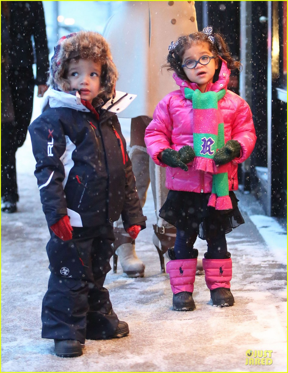 mariah carey snowy aspen shopping with the twins 153015624