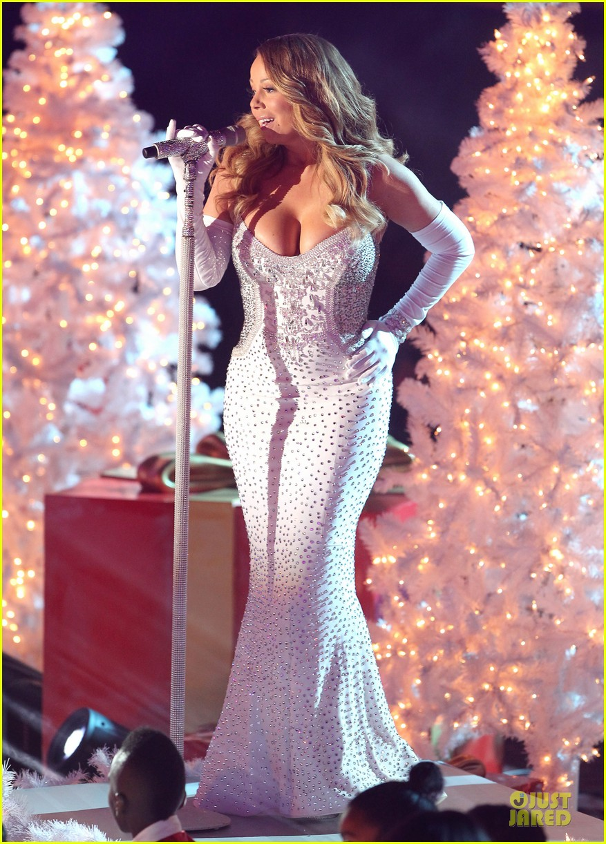 mariah carey rockfeller center christmas tree lighting 2013 performer 013004624